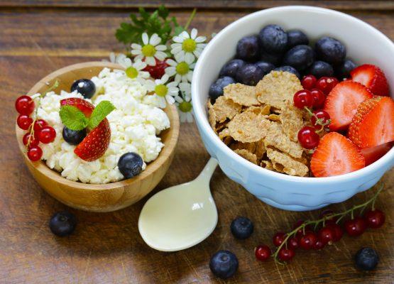 Закуска за силен старт на деня. 3 бързи рецепти за сутрешно презареждане.